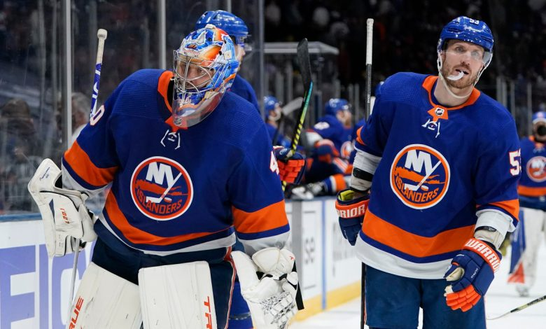 Islanders find selves in familiar situation amid 'new' challenge