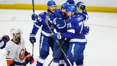 Islanders on brink after ugly 8-0 loss to Lightning