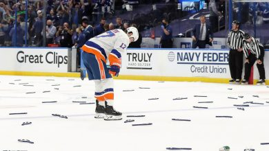 Islanders' playoff run ends in heartbreaking Game 7 loss to Lightning