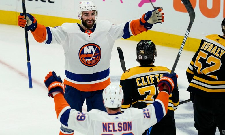 Islanders survive Bruins' rally attempt for Game 5 win