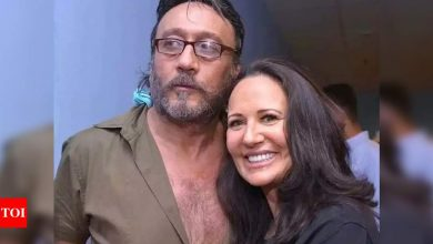 Jackie Shroff on 34 years of marriage with Ayesha Shroff: I am blessed to have Bhole as my life partner - Times of India