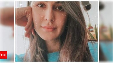 Katrina Kaif looks flawless in her Sunday selfie; says 'chill from home' - Times of India