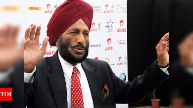 Narendra Modi:  PM Narendra Modi speaks to Milkha Singh recovering from Covid-19, wishes speedy recovery | Off the field News - Times of India