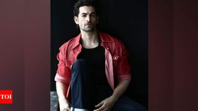 Neil Nitin Mukesh recalls working with late Irrfan Khan in 'New York' - Times of India