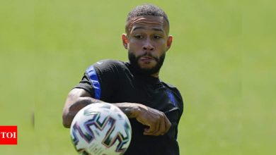 Netherlands star Memphis Depay hints Barcelona deal is close   Football News - Times of India