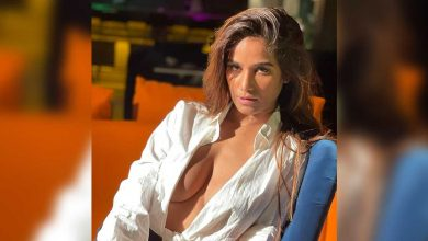 """Poonam Pandey To Strip Again If India Wins Against New Zealand, Says """"I"""