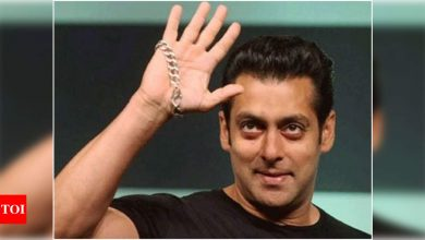 Salman Khan continues to keep his promise by transferring money to cine workers - Times of India