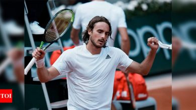 Stefanos Tsitsipas sweeps into French Open quarter-finals | Tennis News - Times of India