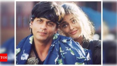 Throwback Thursday: This cute still of Shah Rukh Khan and Aishwarya Rai Bachchan from 'Josh' will make you want to revisit the film - Times of India