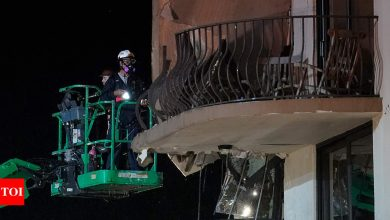 Toll in Florida collapse rises to 4; 159 remain missing - Times of India