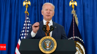 US lawmakers urge president Joe Biden to ensure equitable administration of vaccines around the world - Times of India