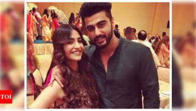When Arjun Kapoor got punched by a guy in school for Sonam Kapoor and went home with a black eye - Times of India