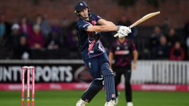 Zak Crawley's knock in vain as Kent fall to Gloucestershire