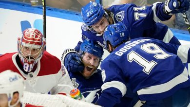 Blake Coleman's late goal, Andrei Vasilevskiy lead Lighting to Game 2 win over Canadiens