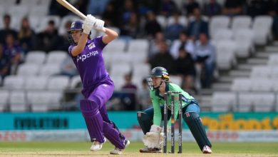 Alice Davidson-Richards downs Invincibles to keep Superchargers unbeaten