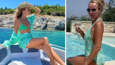 Amanda Holden, 50, sends fans into meltdown showcasing her figure in plunging swimsuit