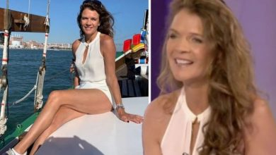 Annabel Croft's frenzy-inducing Wimbledon look first seen in 2019 in VERY leggy boat snap