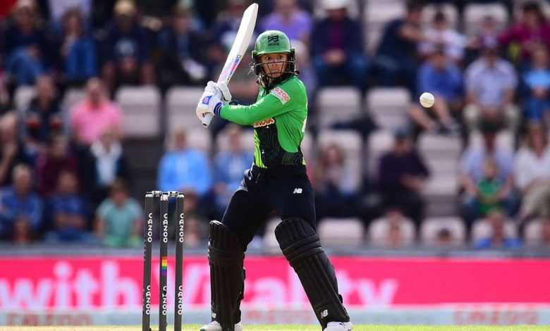 Danni Wyatt 69* fires Southern Brave to third win from three