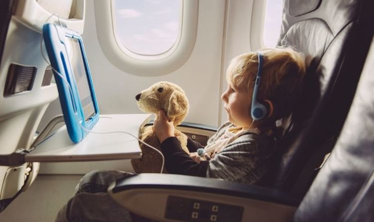 Do children need a PCR test to travel?