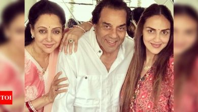 Esha Deol on Dharmendra and Hema Malini's comebacks: I'm looking forward to seeing Dad with my favourite Jaya Bachchan; Mom is looking for the right script- Exclusive! - Times of India