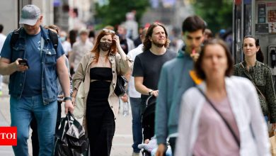 Face masks may become personal choice as UK lifts lockdown - Times of India