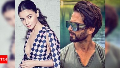 From Alia Bhatt to Shahid Kapoor: 5 style lessons to take from Bollywood celebs - Times of India