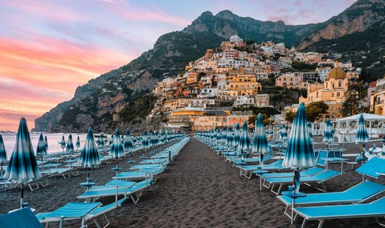 Green list holiday: 'At least 10 countries to be added' predicts expert - including Italy