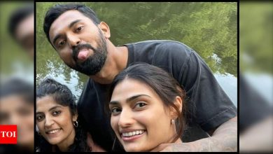 KL Rahul drops a sweet comment on rumoured girlfriend Athiya Shetty's latest picture; fans ask 'when are you getting married?' - Times of India