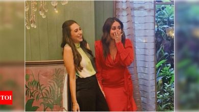 Karisma Kapoor shares a happy picture with Kareena from sets; 'Always special shooting with bebo' - Times of India
