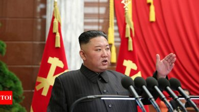 Kim Jong Un:  Seoul spy agency: No sign North Korean leader has been vaccinated - Times of India