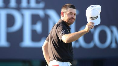 Louis Oosthuizen leading British Open with line of stars at his heels