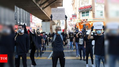 Malaysian youths demand PM quit as pandemic worsens - Times of India