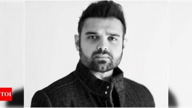 Mimoh Chakraborty: Dad taught me that nothing beats commitment to the job - Times of India