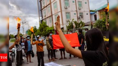 Myanmar forces kill 25 in raid on town, resident and media say - Times of India