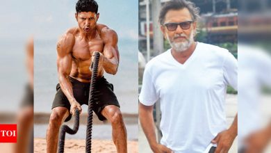 Rakeysh Omprakash Mehra: 16 years ago, I had offered Farhan Akhtar a role in 'Rang De Basanti' because I have always seen an actor in him - Times of India