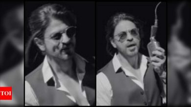 Shah Rukh Khan's fans feels his new look for an ad film is 'so hot' and we have to agree - Times of India