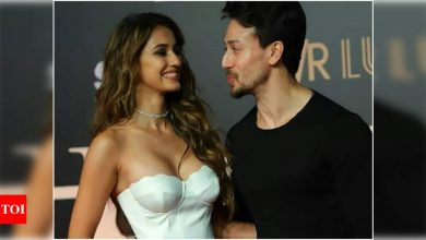 Tiger Shroff, sister Krishna and mommy Ayesha shower love on Disha Patani's 'Kiss Me More' dance video - Times of India