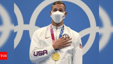 Tokyo Olympics 2020: Caeleb Dressel wins gold in men's 100m freestyle | Tokyo Olympics News - Times of India