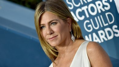 Jennifer Aniston clarifies why she's cut off unvaccinated friends