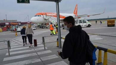 Armed police take over easyJet flight after passenger mutiny - 'disgraceful'