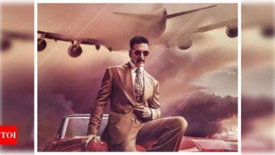 'Bell Bottom': Fans thank Akshay Kumar for bringing cinema halls back to life as they go out to make it a blockbuster - Times of India