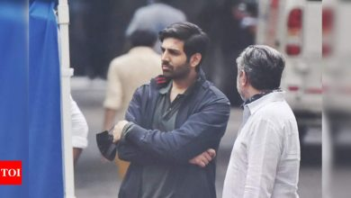 Exclusive! Kartik Aaryan spotted shooting for his upcoming film 'Freddy' - Times of India