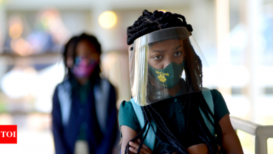Florida OKs school vouchers in districts requiring masks - Times of India