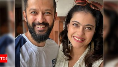Kajol shares a picture her 'bday partner' Vatsal Sheth sharing the brightest smiles - Times of India