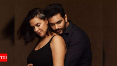 Mom-to-be Neha Dhupia gets the sweetest birthday wish from hubby Angad Bedi; says 'I will always hold your hand ' - Times of India