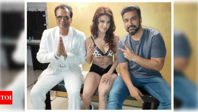 PHOTO: Sherlyn Chopra shares a throwback picture with Raj Kundra as she recalls the first day of shoot for her app - Times of India