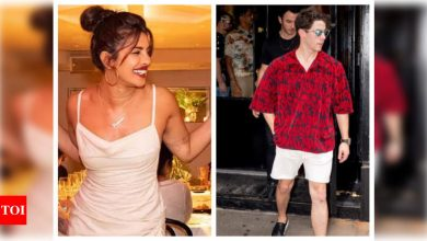 Photos: Nick Jonas sports a clean-shaven look as he visits wife Priyanka Chopra's New York restaurant with brother Kevin Jonas - Times of India