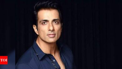 Sonu Sood expresses solidarity with Afghanistan, raises his voice for homeless Indians affected by the crisis - Times of India
