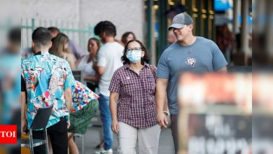 US now averaging 100,000 new Covid-19 infections a day - Times of India