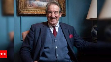 Actor John Challis passes away at the age of 79 - Times of India